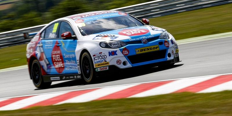Jason Plato dominates opening race at Snetterton