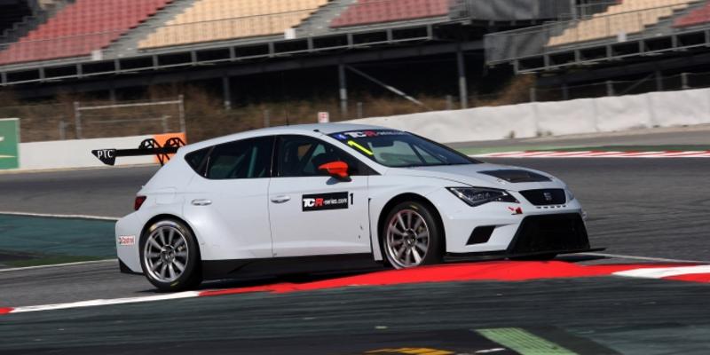 Jordi Gené testing TCR SEAT
