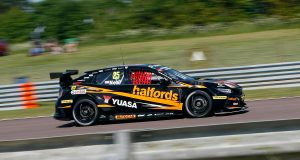 Matt Neal smashes qualifying lap record en route to Thruxton pole