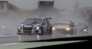 Ash Sutton provisionally wins red-flagged second race at Knockhill