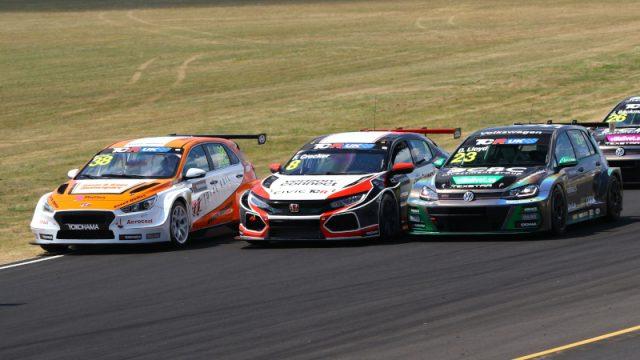 TCR UK race