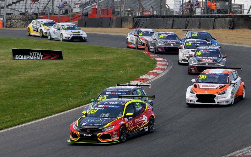 TCR UK race start