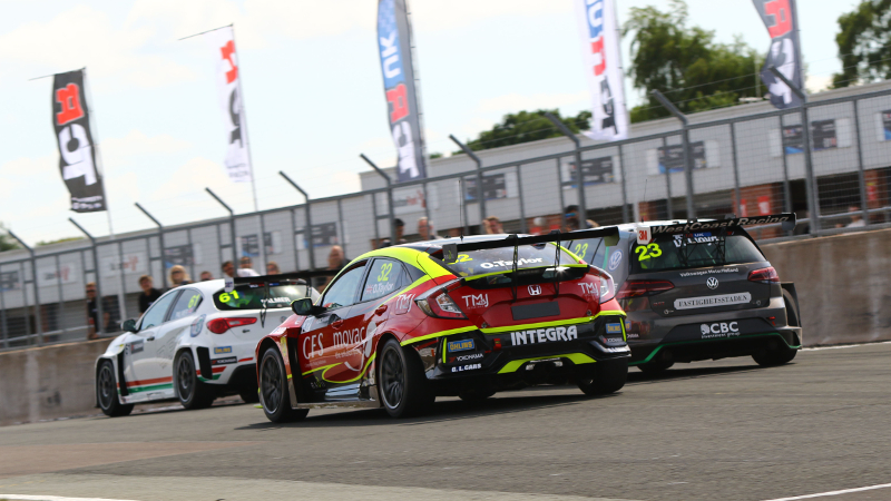 TCR UK racing