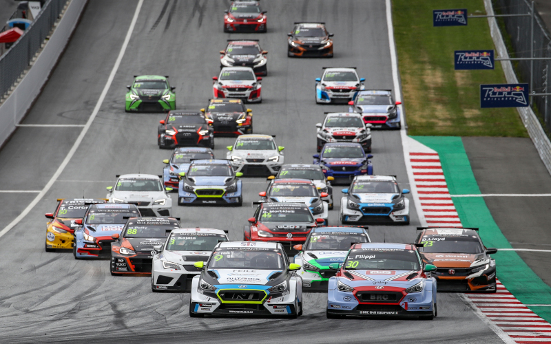 TCR Europe race start at the Red Bull Ring