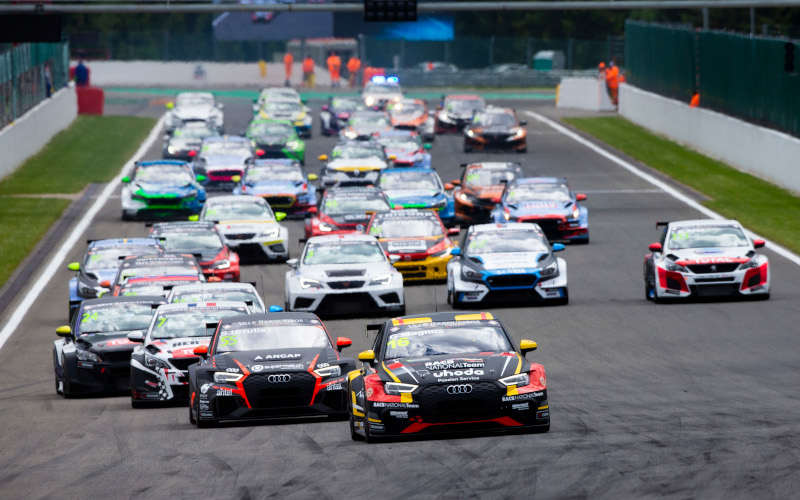 Gilles Magnus leads at the start of a TCR Europe race at Spa-Francorchamps