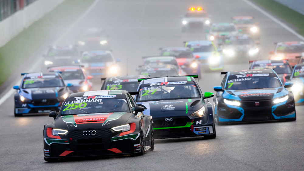 Mehdi Bennani, Comtoyou Racing, Audi RS3 LMS TCR leads at TCR Europe race start