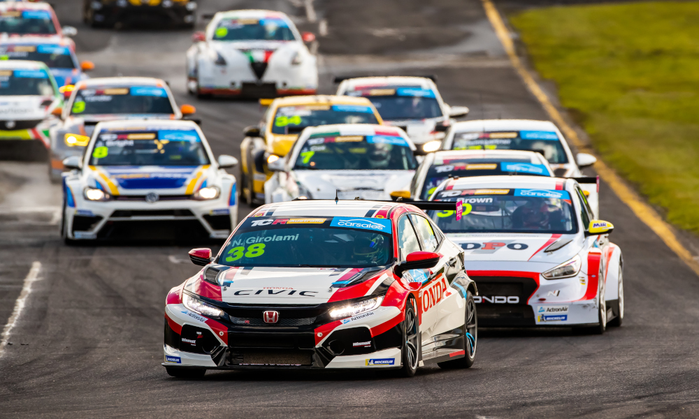 Néstor Girolami, Wall Racing, Honda Civic Type-R FK8 TCR leads at the start of a TCR Australia race