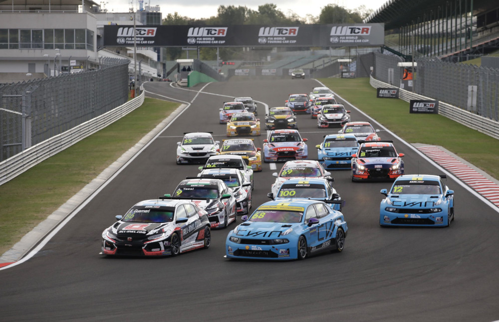 WTCR race start at the Hungaroring in 2021