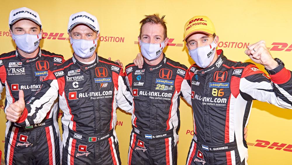 Attila Tassi, Tiago Monteiro, Néstor Girolami and Esteban Guerrieri wearing masks