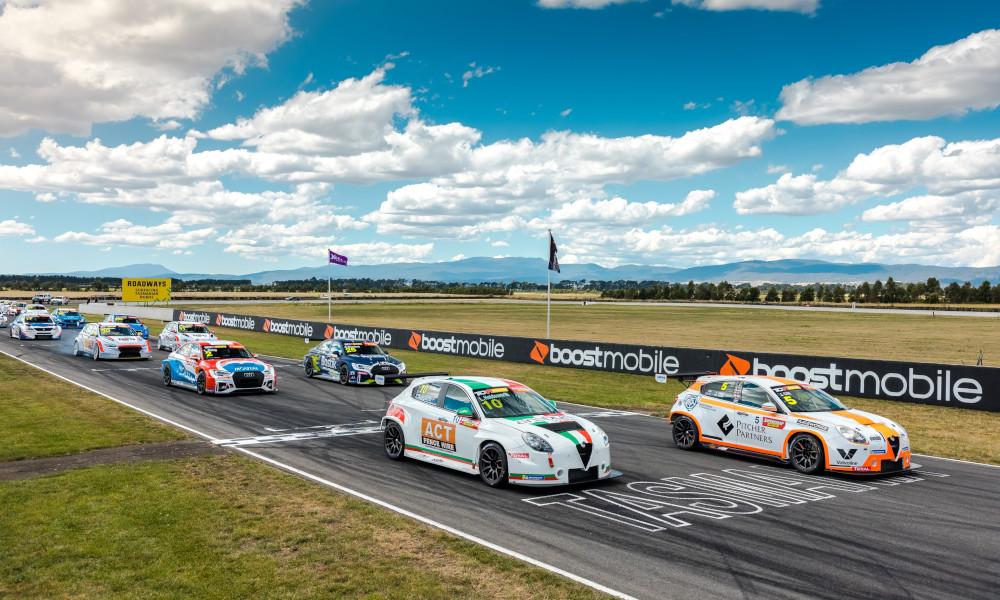 TCR Australia race start at Symmons Plains