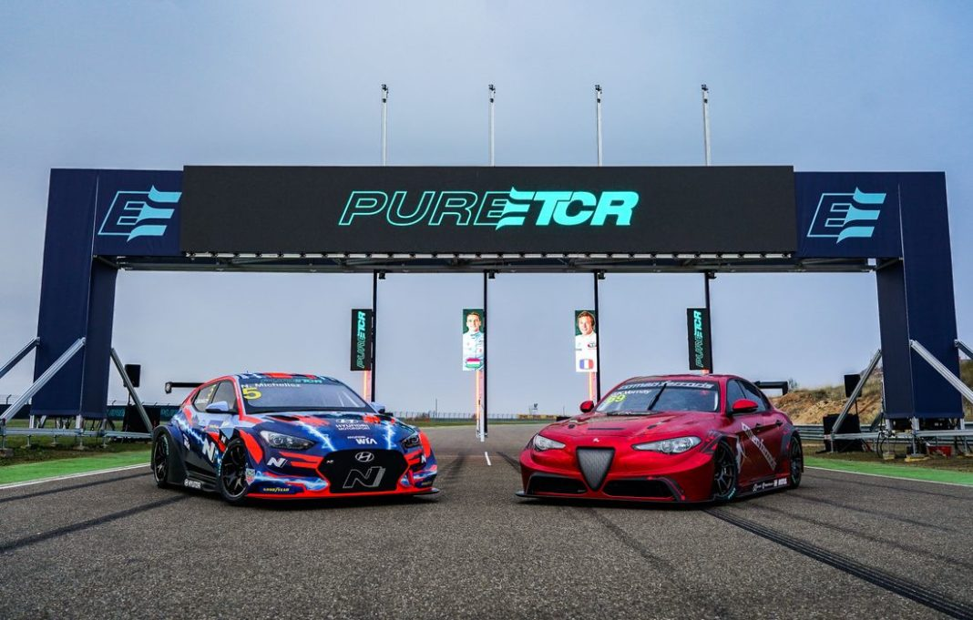 Hyundai Veloster N ETCR and Alfa Romeo Giulia ETCR